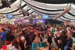Sonntag-Zelt: Auch nach dem Umzug wurde bis in die Nacht kräftig gefeiert